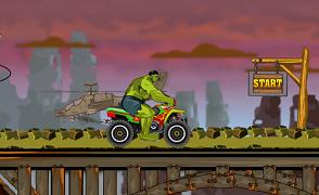 Hulk curse cu motocicleta